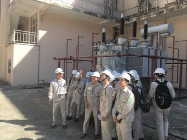 Sinh viên Ký thuật cơ điện tử đi thực tế và thực tập tại nhà máy